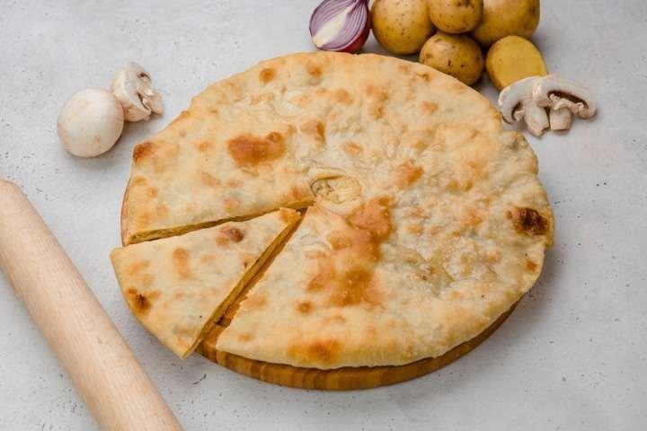 Осетинский пирог с картошкой и грибами